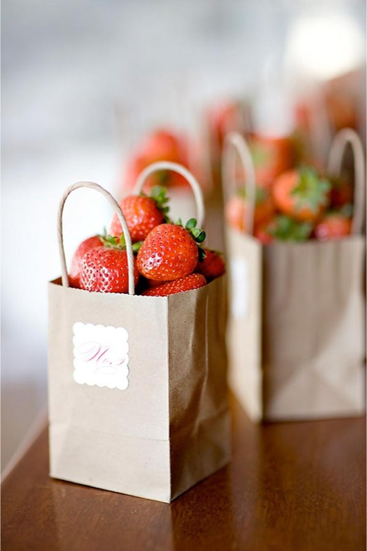 In túi giấy đựng hoa quả cao cấp