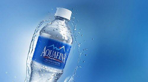 in tem nhãn nước uống đóng chai giá rẻ